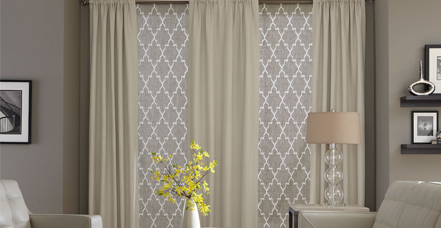 Curtain with roller