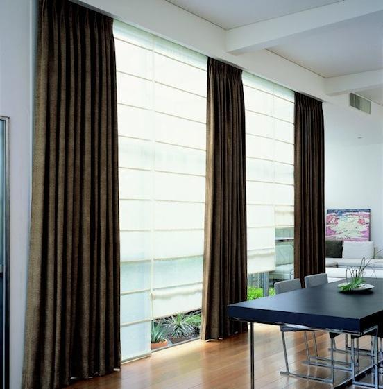 Curtain with roller2